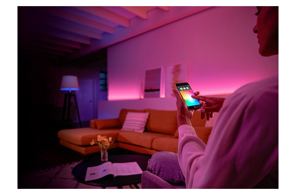 Philips Hue White and Colour Ambiance Wireless Lighting B22 Bayonet Cap  Starter Kit, 3 x Philips Hue 9 W B22 Richer Colour Bulbs, 1 x Hue Bridge  2 0,